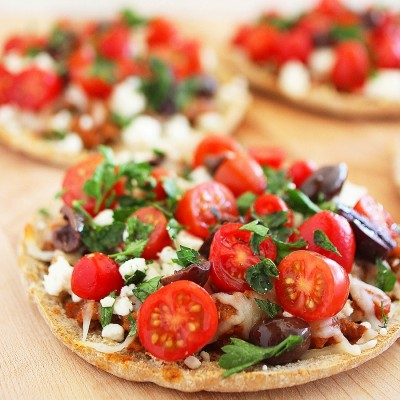 Greek Pita Pizzas