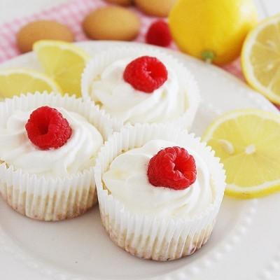 Skinny Lemon Cheesecake Cupcakes
