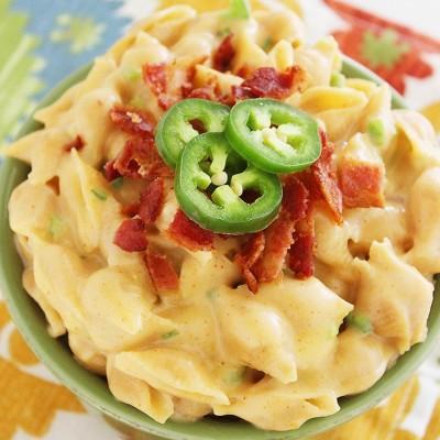 Creamy Stovetop Jalapeño-Bacon Macaroni and Cheese