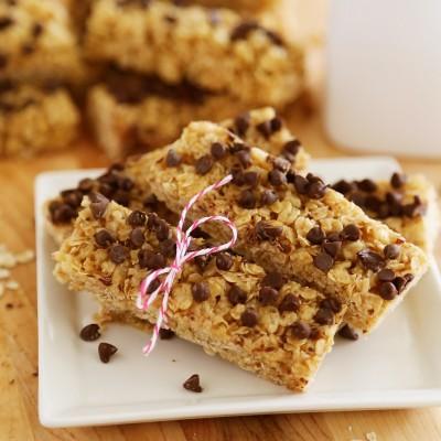 No-Bake Chewy Chocolate Chip Granola Bars