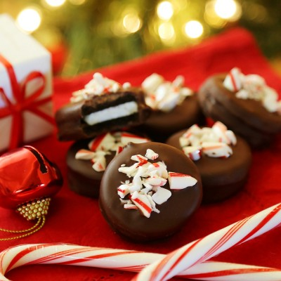 Chocolate Covered Peppermint Oreos