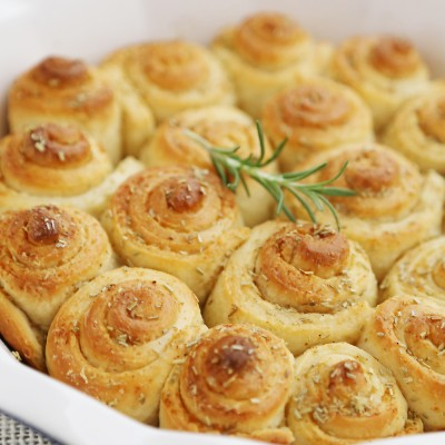 Garlic Butter Rosemary Rolls