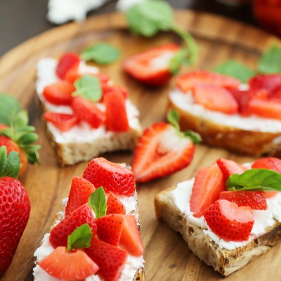 Vanilla Bean Pickled Strawberries with Goat Cheese Crostini