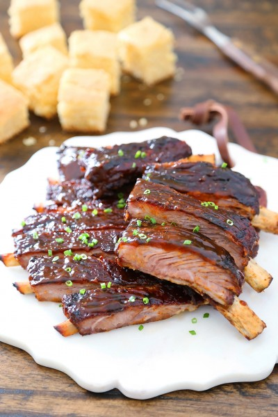 Sticky BBQ Spareribs - Melt-in-your-mouth, saucy BBQ spare ribs made in under 30 minutes! thecomfortofcooking.com